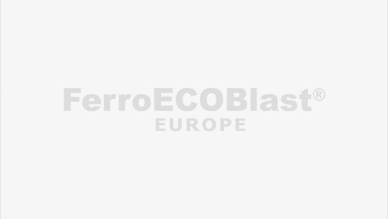 <h2>Robot in <strong>De-Coring chamber</strong></h2>